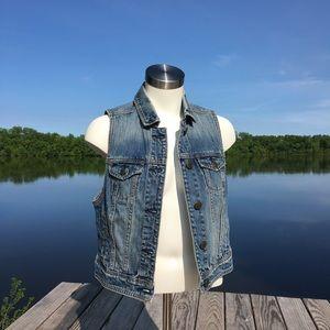 American Eagle Jean button down vest